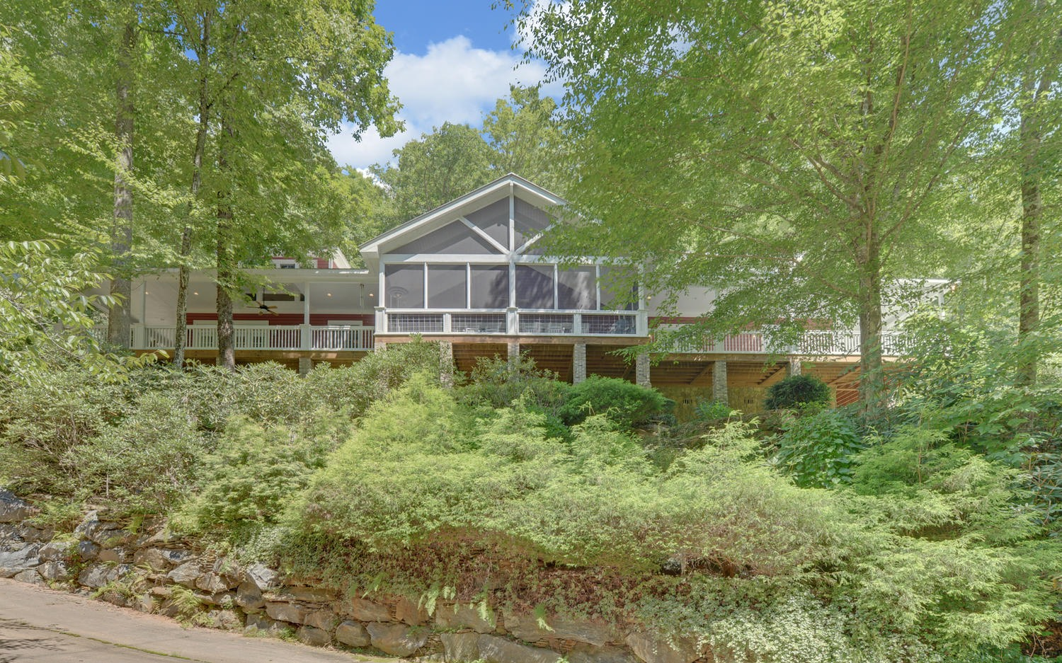 830 SHEARER CREEK DR. Photo 1
